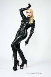 Fotoshooting in Lack Leder Latex Düsseldorf