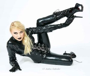 Fotoshooting in Lack Leder Latex Düsseldorf NRW